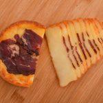 Pečeni sir sa goveđom pršutom 250gr