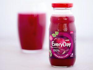 sok od ceđene jabuke i cvekle bez šećera i vod
