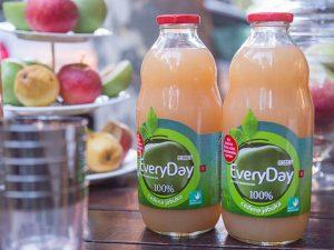 Sok od ceđene jabuke bez šećera i vode