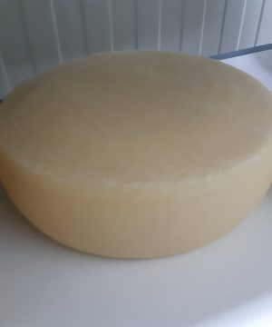 Kravlji sir stari Begej 300gr Sir za svaki dan